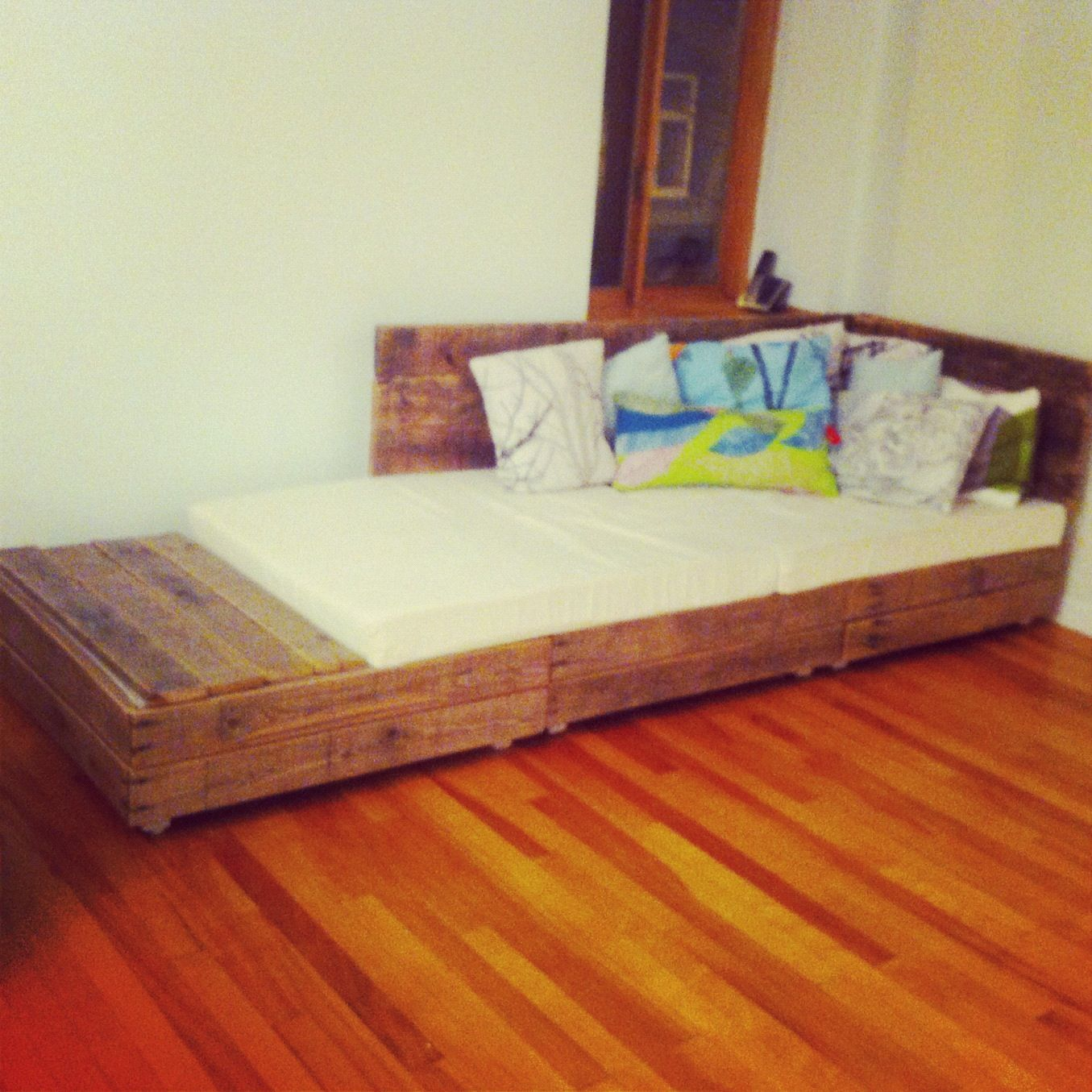 diy pallet couch instructions